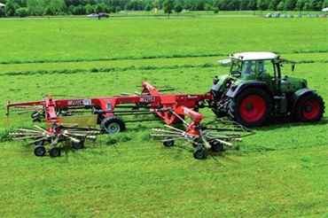 Hay swathers with individual plain bearings made of iglidur® materials